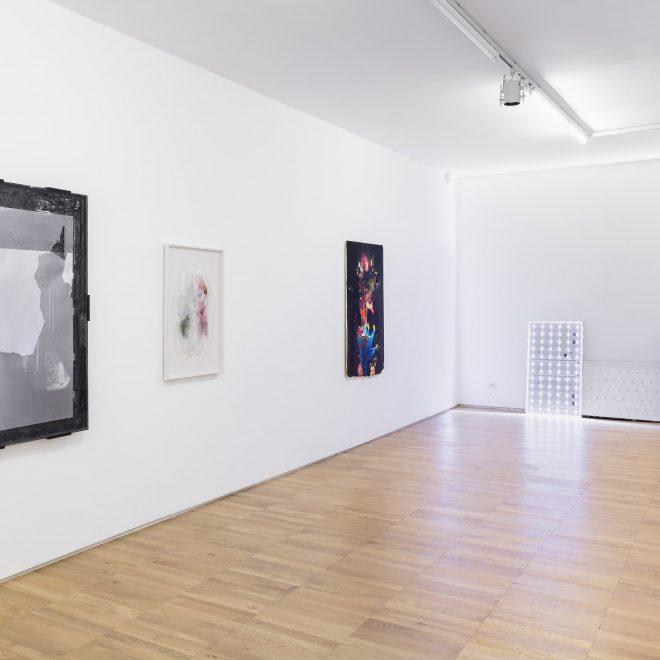 001JT rs 16: Josh Tonsfeldt's exhibition view at Raucci/Santamaria Studio Project, Milan, 2016. C.sy Raucci/Santamaria, Milan/Naples, Photo: Andrea Rossetti, Milan.